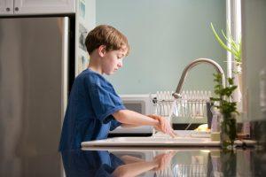 As crianças podem ser uma fonte de transmissão do covid-19