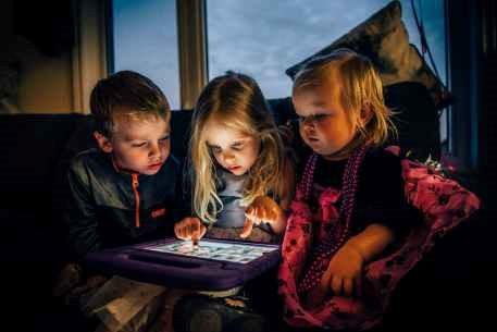 Como manter contato com as crianças em idade pré-escolar, e incluir famílias desfavorecidas?