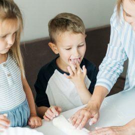 Frequentar o jardim de infância… será suficiente? Pistas sobre qualidade, assiduidade e participação social de crianças com incapacidades