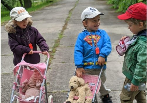 A importância dos brinquedos com género neutro