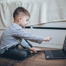 Trabalhar com crianças com deficiência e suas famílias à distância – estratégias e vantagens